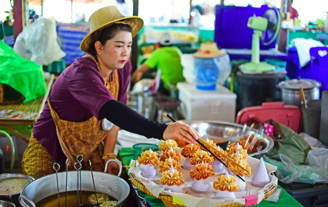 Ayutthaya Food Tour by AK Travel | Travelog
